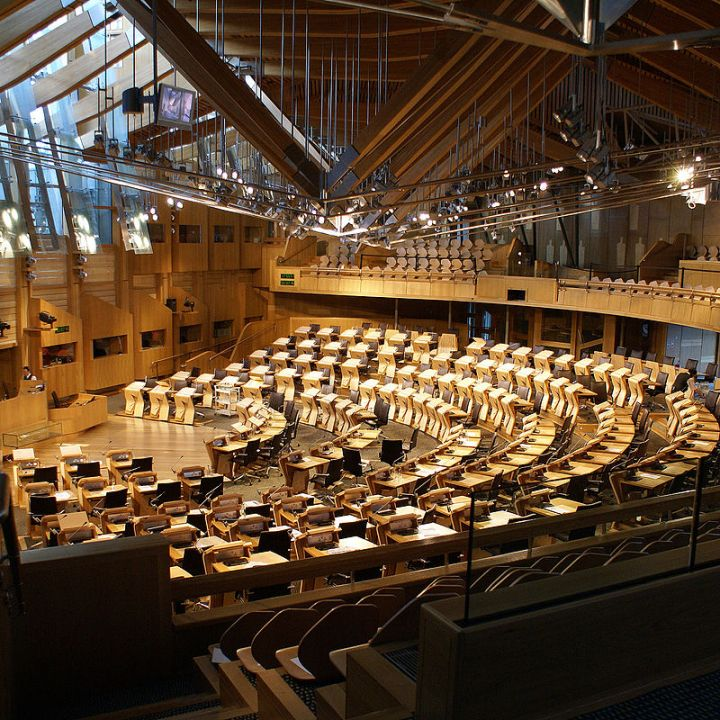 800px-Scotland_Parliament_Holyrood